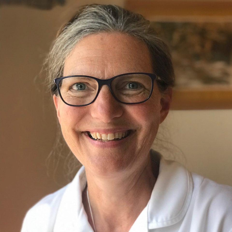 SARA KENNARD, OSTEOPATH